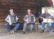 Kløvvegmarsjen 2014 - Moens Trio underheld ved Røstasetra