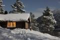 Jul på hytta med fullmåne og nysnø. Fotograf: Daniel Zwick