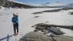 Ned Gråsjøen med Trollhøtta i bakgrunnen