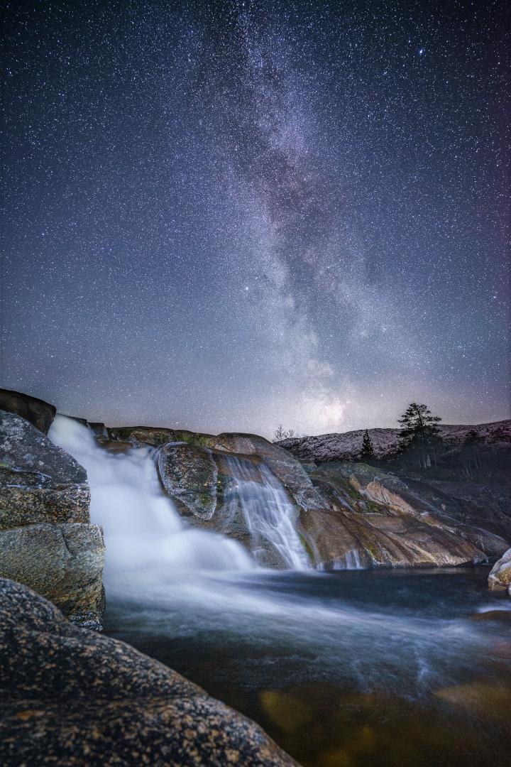 Kumelstoin i stjernenatt, 5. oktober. Fotograf: Kim Even Fiske